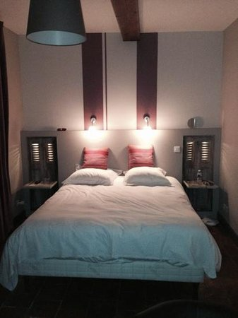Chateau de Palaja : Our bedroom