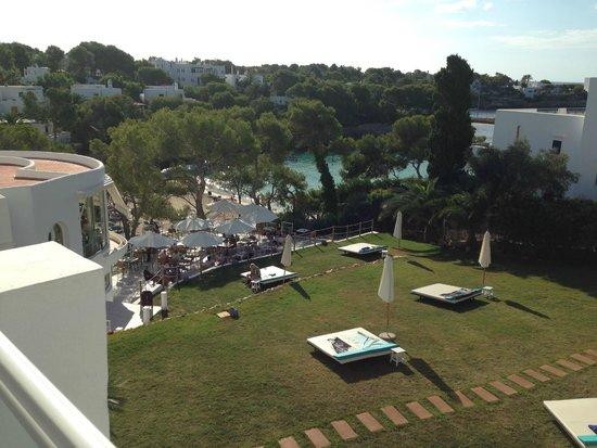 Sensimar Rocador: Partial seaview/Garden view room overlooking chill out area