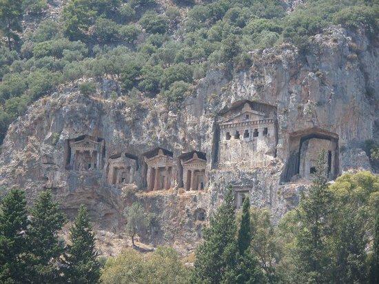 Dalyan Nehri: гробницы Ликийских королей