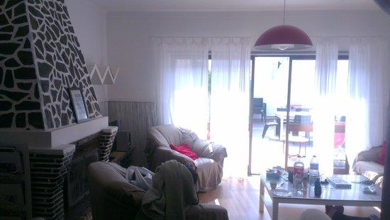 Baleal Surf Camp: Baleal Hostel II - Living room