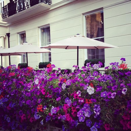 Park Grand London Lancaster Gate: The hotel from outside - First Impressions