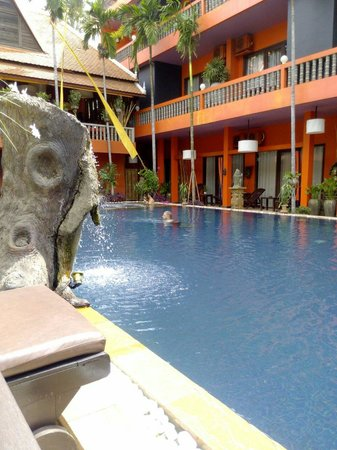 Golden Temple Hotel : Poolside