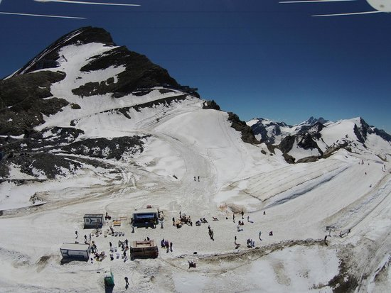 Antonius: Summer snow fun in July at 3000 m (10.000 ft) on the Kitzsteinhorn