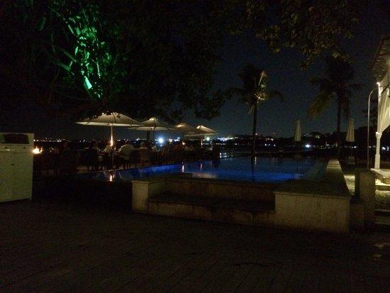 Boardwalk Restaurant & Lounge : Ocean views