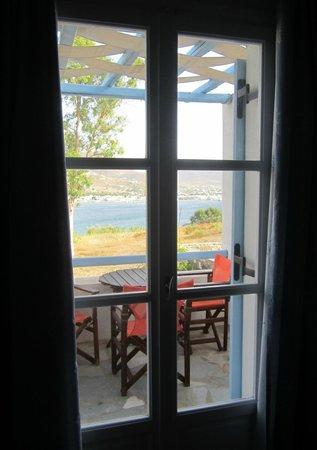 Paros Paradise Apartments: French doors onto balcony