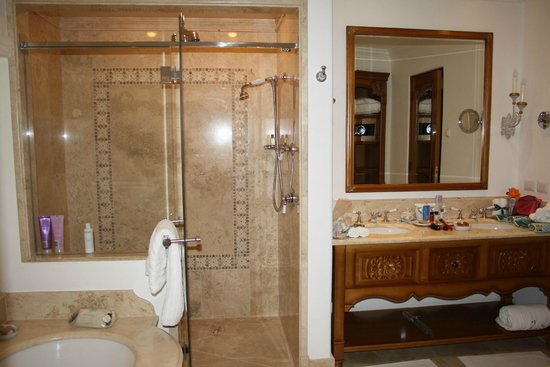 Belmond Palacio Nazarenas: Shower
