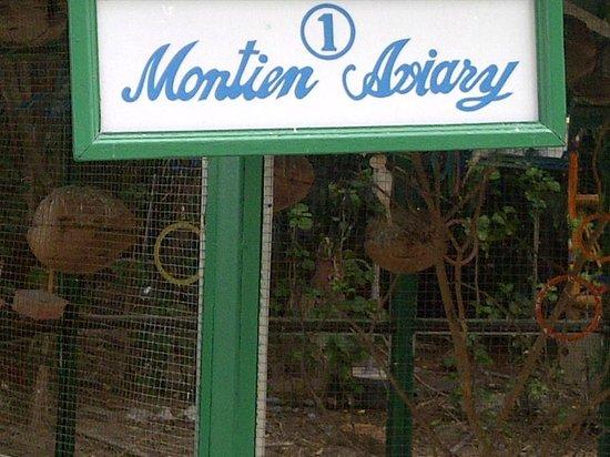 Montien Hotel Pattaya: Aviary