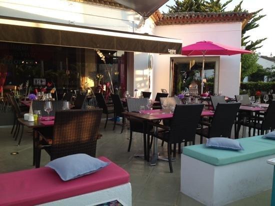 Tanino Restaurante Bar: Hot colours at Tanino