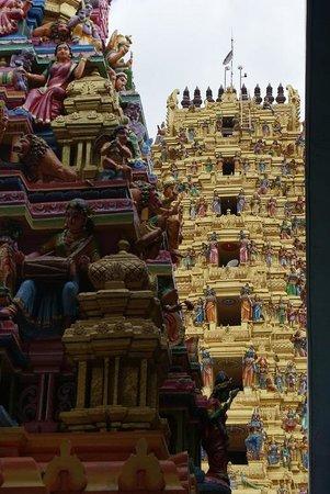 Sri Muthumariamman Temple: Sri Muthumariamman Thevasthanam