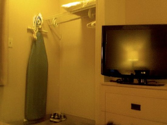 Extended Stay America - Raleigh - Cary - Regency Parkway North: Flat Screen TV and Ironing Amenities that you don't have to call for