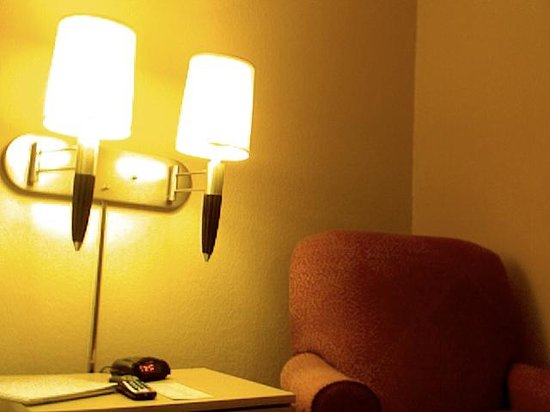 Extended Stay America - Raleigh - Cary - Regency Parkway North : Great Reading Area