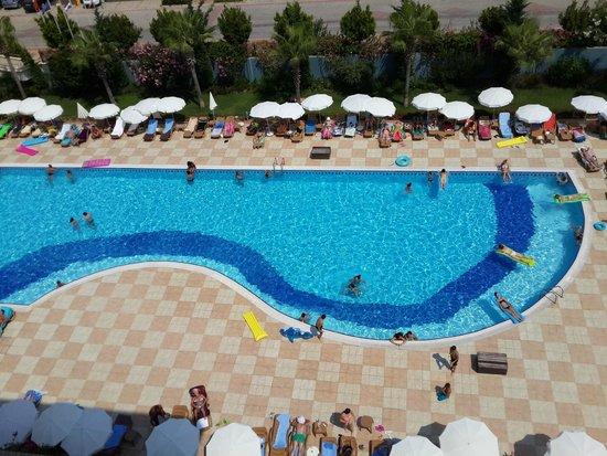 Hotel Titan Select: BALKONDAN HAVUZ