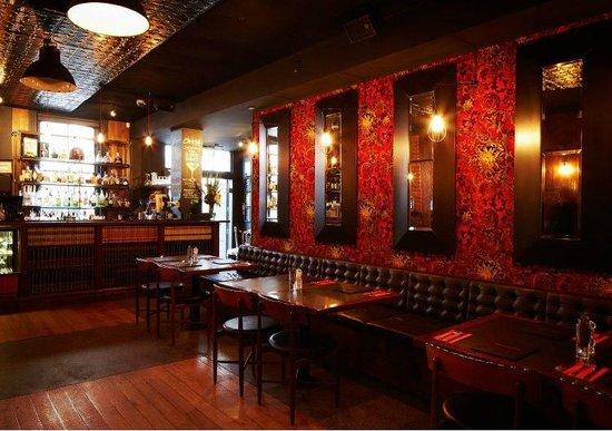 TMR Restaurant & Bar: Restaurant