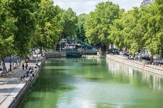 Hotel Magenta 38: Canal saint Martin in the afternoon 5 minutes walk from the hotel
