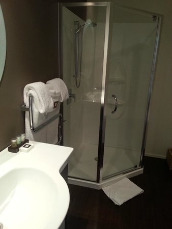 Hotel on Devonport : Bathroom