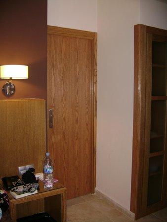 Hotel Alba Seleqtta: Stanza 714! Orribile!