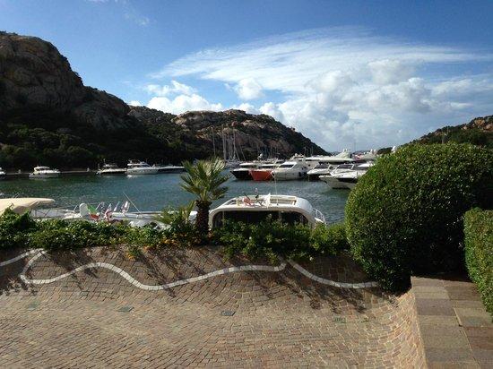 Grand Hotel Poltu Quatu Sardegna MGallery by Sofitel: Vista del porto