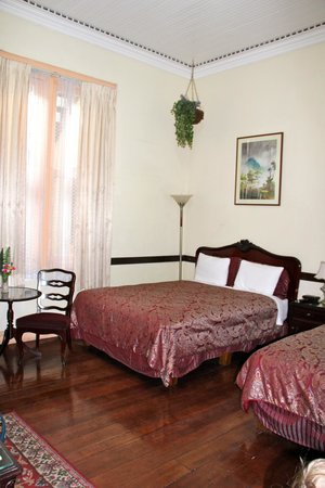 Hotel Santo Tomas: Spacious room