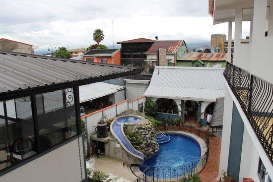Hotel Santo Tomas: Lovely courtyard