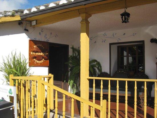 Hacienda- Hosteria Chorlavi: Lojinha de artesatano