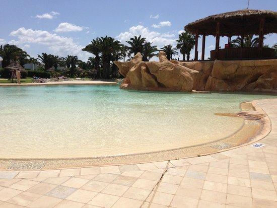 SENTIDO Phenicia: Pool!
