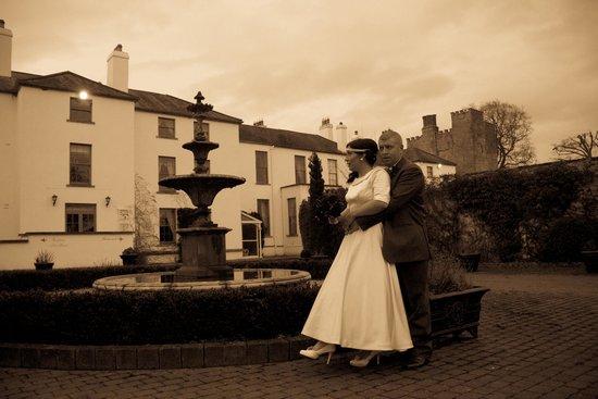 Barberstown Castle: Fountain