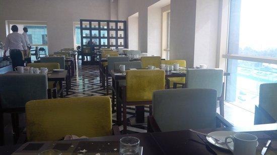 Millennium Plaza Hotel Dubai: Breakfast restaurant
