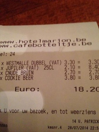 Cafe Botteltje: our first night beers (lightweights)