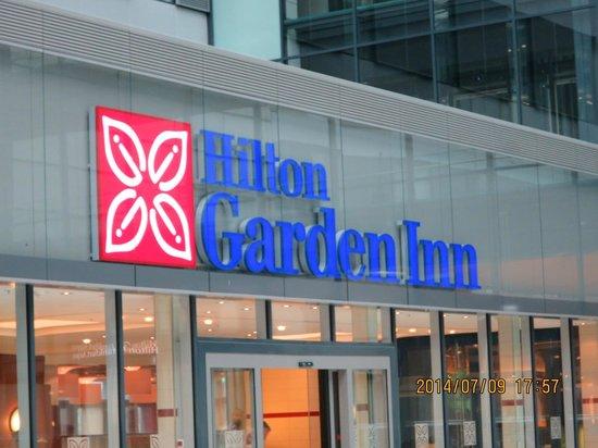 Hilton Garden Inn Frankfurt Airport: 入り口