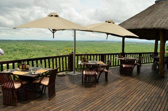 Ulusaba Rock Lodge : Cliff Lodge Dining Deck