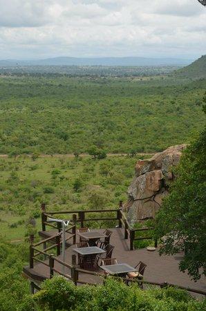 Ulusaba Rock Lodge : Dining Deck at Cliff Lodge