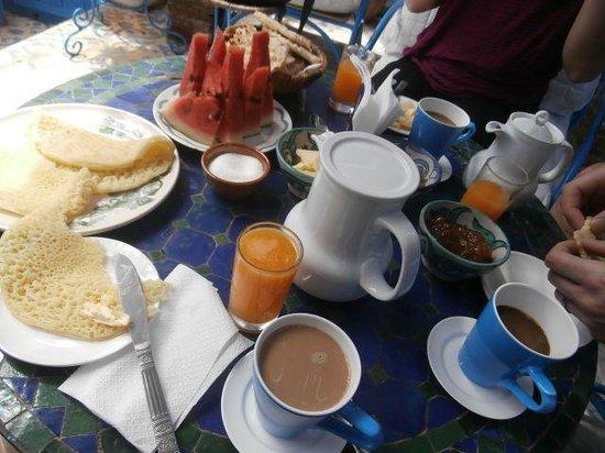 Hotel Dar Terrae: Breakfast repast