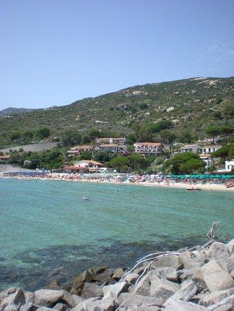 Hotel Baia Imperiale-Elba : spiaggia privata a 100 m dall'albergo