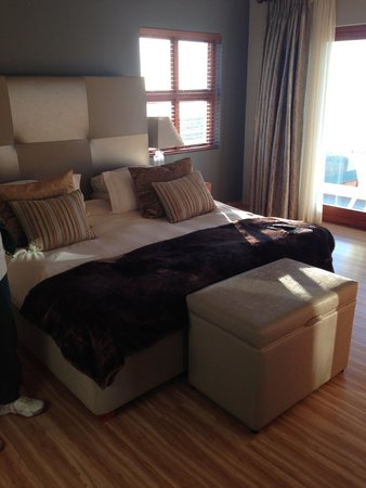 Protea Hotel by Marriott Mossel Bay: Suite room