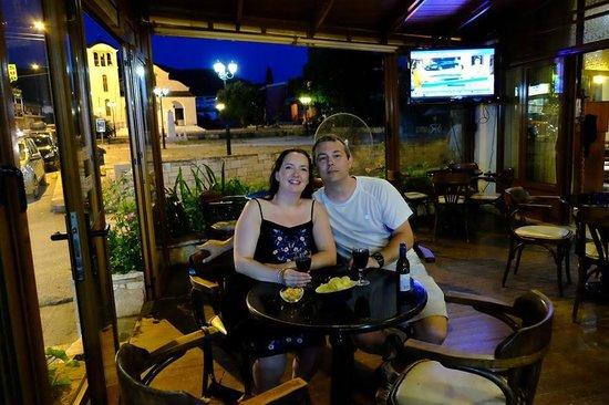 Mourtemeno Hotel: Hellas Restaurant