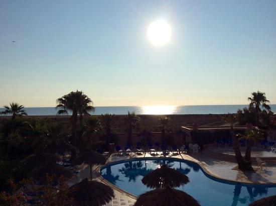 La Lagune Beach Resort and Spa : vue de la chambre (matin)