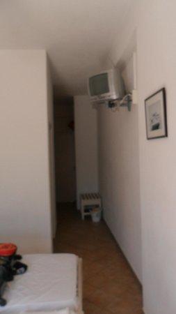 Alexandra Hotel: room