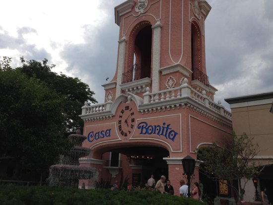 Casa Bonita: Doesn't look big from the outside but...