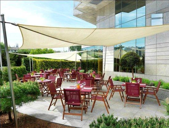 Regent Warsaw Hotel: Venti - tre restaurant terrace