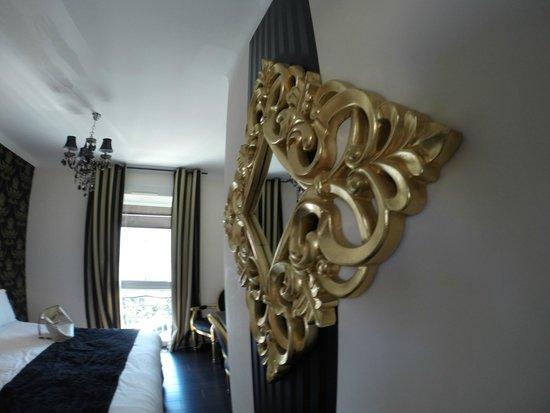 Hotel La Villa Cannes Croisette: miroirs
