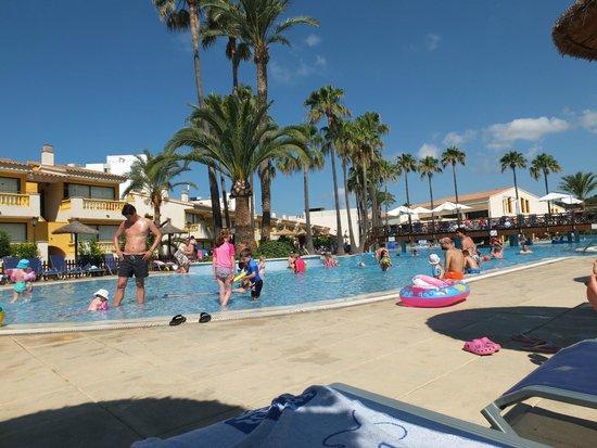 Royal Son Bou Family Club: piscina grande