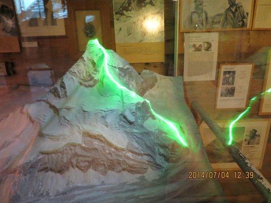 Matterhorn Museum - Zermatlantis: 登山ルートがわかる展示です