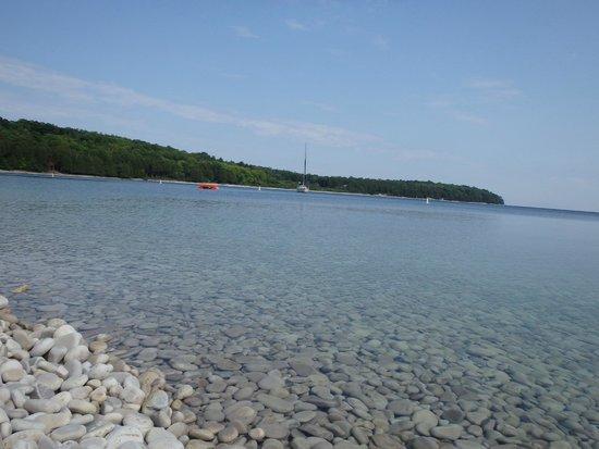 Schoolhouse Beach : Look....rocks!