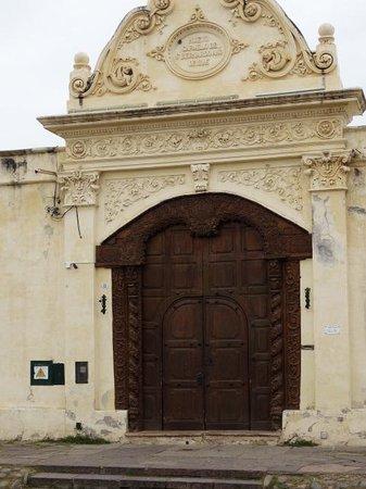 San Bernardo Convent : Magnifica puerta antigua Monasterio