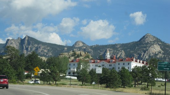 River Rock Cottages : The Stanley Hotel