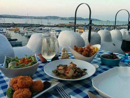 TJ's Restaurant : A feast for two with a stunning view