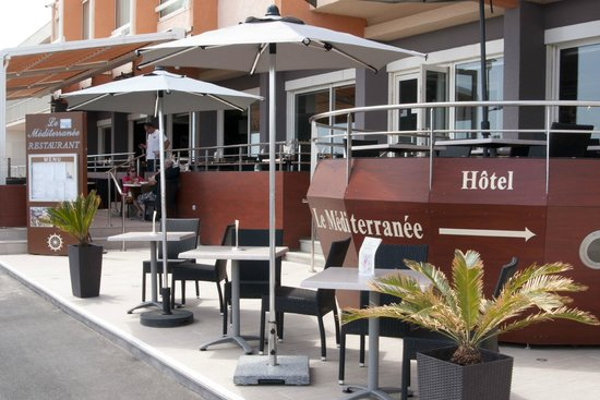 Hotel Mediterranee Port-La-Nouvelle : Terrasse de l'Hôtel