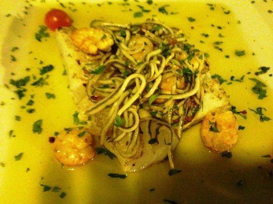 Bodega dos de Mayo: special fish dish was great