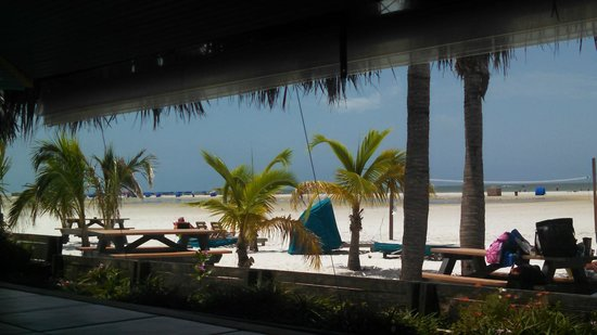 Outrigger Beach Resort: View from Tiki Bar