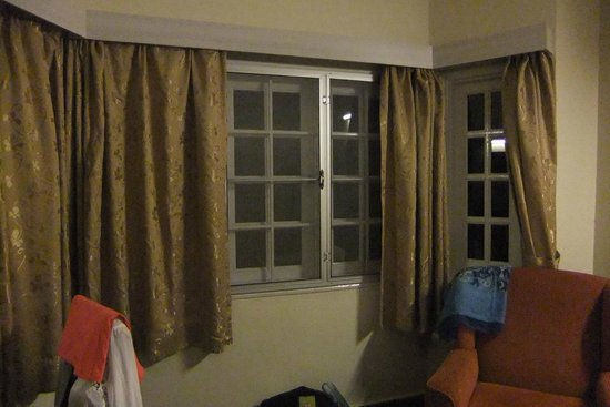 Gerard's Place: Bay window in our bedroom